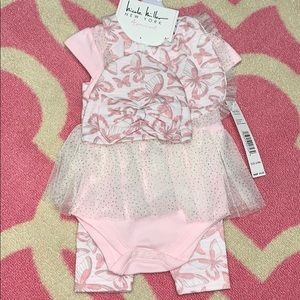 💞Adorable Baby Girl Outfit Size 6-9 Months💞